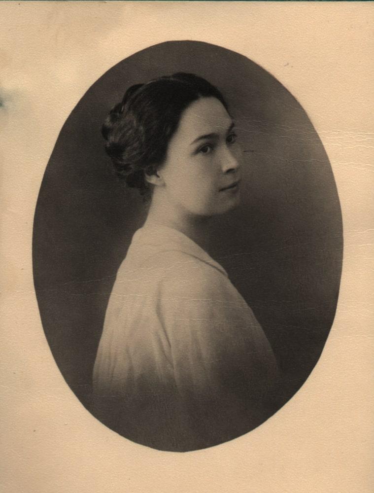 1922 Mother Ksenia Nikolaevna Scriabine. Persia